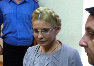 Защита Тимошенко требует немедленного возобновления судебного следствия