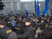 СМИ: Белорусский ОМОН брутально разогнал митинг оппозиции