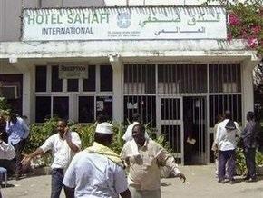Сомалийские боевики похитили двоих французов