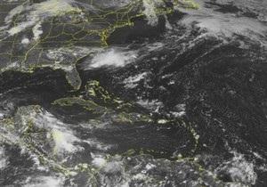Бушующий в Карибском море шторм перерос в ураган