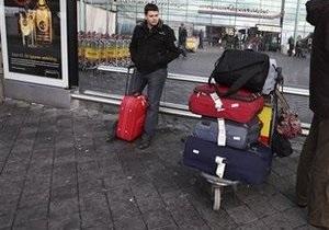 США ужесточили правила досмотра для авиапассажиров из семи стран