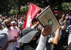 Протесты в Тунисе: В Тунисе при разгоне акции протеста погиб демонстрант