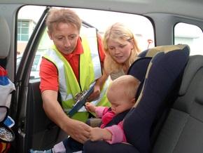 Как выбрать самое лучшее детское сидение в автомобиль