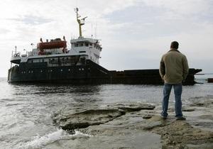 Черноме море - сухогруз - В Черном море сел на мель российский сухогруз