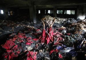 На месте рухнувшей фабрики в Бангладеш извлекли уже больше тысячи тел