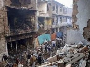 Взрыв в Пакистане: число жертв растет