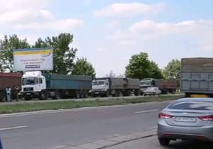 В Николаеве сотни дальнобойщиков грозят Киеву транспортным коллапсом