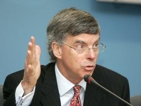 Тейлор: НБУ использовал свои валютные резервы непрозрачно