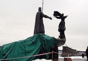Власти начали реставрацию памятника основателям Киева