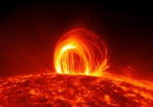 NASA показало плазменный дождь на Солнце