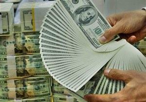 За четыре дня до выборов доллар неумолимо ползет вверх на межбанке