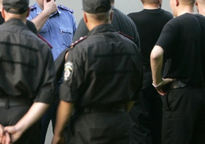 Милиция просит киевлян помочь в поисках преступников, ограбивших инкассаторов на 5 млн гривен