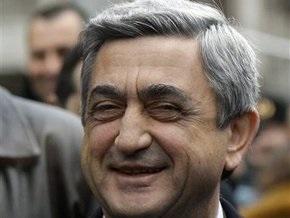 Армения заявила, что в случае срыва мирных переговоров может признать независимость Карабаха