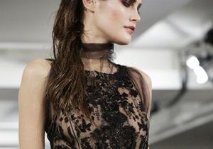 Фотогалерея: New York Fashion Week. Коллекции DKNY, Marc Jacobs и Oscar de La Renta