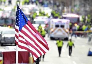 Полиция США определила двух подозреваемых в теракте в Бостоне с помощью видео