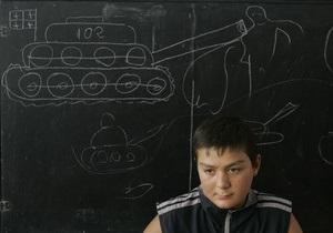 В грузинских школах введут уроки военной подготовки