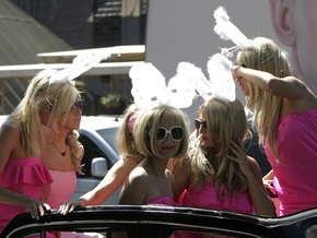 Фотогалерея: Блондинки против кризиса