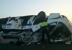 В России произошло крупное ДТП с участием туристического автобуса, пострадали 29 человек