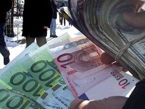 Стоимость доллара в обменниках достигает 8,8 гривны