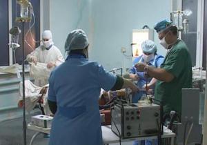 В Луганской области разгневанный пациент ранил из пистолета двух врачей