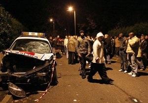Беспорядки на севере Франции: Олланд обещает мобилизовать ресурсы для борьбы с хулиганами