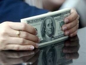 Доллар на межбанке начал снижаться