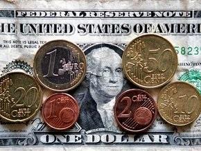Эксперты советуют украинцам хранить деньги в валюте