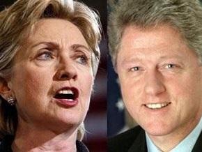 Во время африканского турне Хиллари Клинтон вывело из себя упоминание о ее супруге