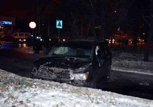 В Донецке 29-летний водитель внедорожника сбил насмерть двух пешеходов на тротуаре