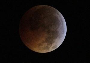Американский зонд обнаружил на Луне иней