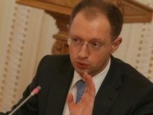 Яценюк сказал Европе, что в Раде нет кризиса: Это обычный процесс