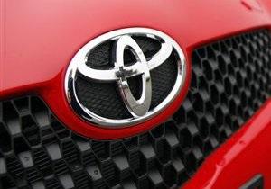 Toyota отзывает 110 тысяч автомобилей с гибридным двигателем