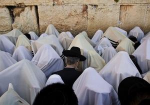 Из-за конфликтов с ортодоксальными иудеями Стена плача может быть разделена
