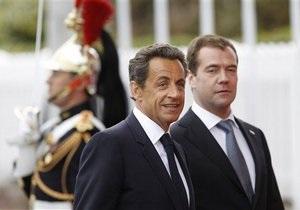 Саркози не видит связи между продажей России Mistral и позицией Москвы по Ливии