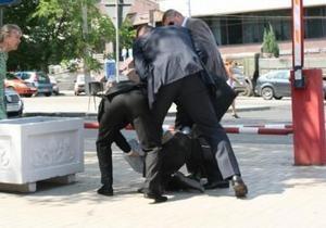 Донецкий губернатор считает провокацией инцидент с покушением журналиста