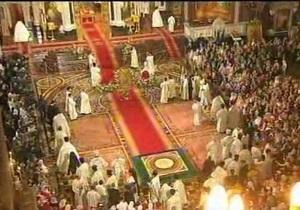Православные христиане празднуют Пасху