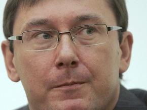 Эксперты: Отставка Луценко может быть выгодна как Тимошенко, так и Ющенко
