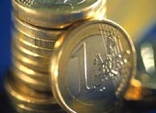 Евро падает из-за сокращения экономики ЕС