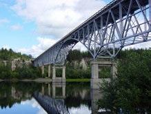 Отец сбросил четырех детей с моста в Алабаме