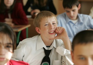 Киевским школьникам продлили каникулы