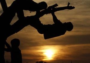 В Черниговской области суд отменил комендантский час для подростков