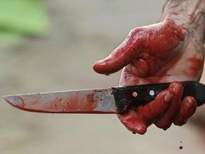 В Москве неизвестный 14 раз ударил ножом подполковника милиции