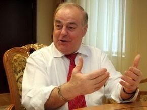 Коммунист Ткаченко сломал микрофон журналистке СТБ