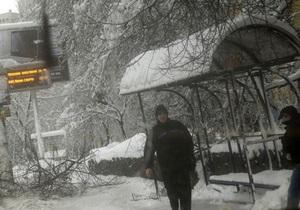 Непогода в Украине: отменено почти 100 автобусных рейсов