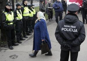 Глава МВД Латвии обещает не увольнять полицейских, не владеющих латышским