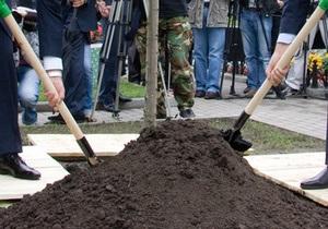 В столичной мэрии пообещали восстановить парк возле метро Дарница
