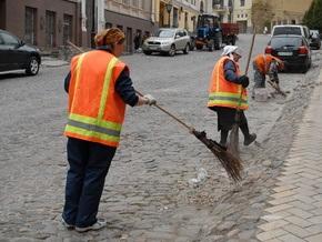 Власти Киева заявили о возобновлении уборки Крещатика и Майдана Незалежности