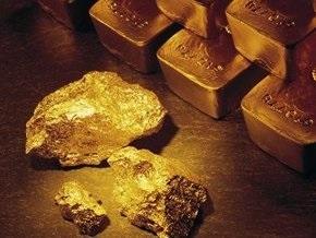 Золото стало дороже платины впервые за 12 лет