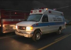 Спасатели снесли две стены и окно, чтобы госпитализировать 400-килограммовую британку