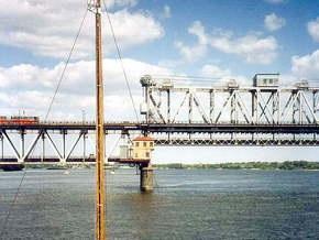 В Кременчуге россиянин прыгнул с моста и погиб